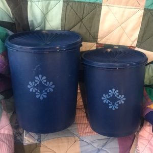Tupperware 2 pc canister set
